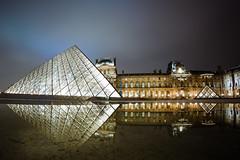 Louvre Museum, Paris (Zeeyolq Photography) Tags: france louvre museum night paris pyramid pyramidedulouvre îledefrance fr