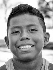 En la playa (Blas Tovar) Tags: gente mompiche campesino niño 02profesionales wwwblastovarcom retrato bn oficios ecuador playa beachlife blackandwhite blackandwhitephotography blancoynegro bnw bnwcaptures bw bwlover bwperfect child childhood children childrenphoto face igecuador igersecuador instakids kid kids little makeportraits monochrome ocean painting paradise peasant people portrait portraitperfection portraitshots portraitmood portraitpage portraitphotographer portraitphotography portraits portraitsig portraiture pursuitofportraits rsaportraits sand sketch surf water waves young ポートレート