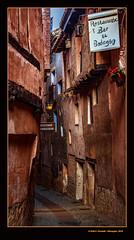 Un carrer d'Albarrasí 15 (A street of Albarracín) (Rafel Ferrandis) Tags: albarrasí carrer estret terol aragó eosm5 ef35mmf14lii