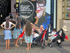 Two Middle Eastern families rest before shopping (pivapao's citylife flavors) Tags: beaubourg paris shop france children namus