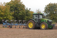 John Deere 7290R Tractor with a Lemken 6 Furrow Plough (Shane Casey CK25) Tags: john deere 7290r tractor lemken 6 furrow plough jd green castlelyons traktor traktori tracteur trekker trator ciągnik ploughing turn sod turnsod turningsod turning sow sowing set setting tillage till tilling plant planting crop crops cereal cereals county cork ireland irish farm farmer farming agri agriculture contractor field ground soil dirt earth dust work working horse power horsepower hp pull pulling machine machinery nikon d7200