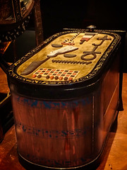 Storage chest in the form of a cartouche found in King Tut's tomb 18th dynasty New Kingdom Egypt (mharrsch) Tags: kingtut tutankhamun artifact treasure exhibit tomb egypt 18dynasty newkingdom discoveryofkingtut omsi oregonmuseumofscienceandindustry portland oregon mharrsch