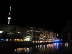 Fernsehturm (Franco & Lia) Tags: fernsehturm berlin berlino spree sprea torre televisione germany deutschland germania dinotte bynight virgiliocompany