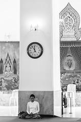 11:54 (Cédric Nitseg) Tags: femme nikon asie pray praying greelow bangkok travelling backpacking girl backpacker voyage travel noiretblanc woman bw asia thaïlande d7000 blackandwhite prayer thailand