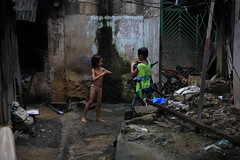 Cebu City.Philippines (VincenzoMonacoo) Tags: canon 6d tamron 2470 philippines adventure travel leica nikon cebu city slum kids