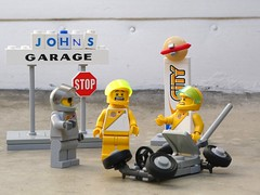 Slammed Rover - Febrovery 2019 22 (captain_j03) Tags: toy spielzeug 365toyproject lego minifigure minifig moc febrovery space rover car auto honestjohn