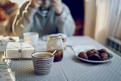 Desayunos a pie de calma (soloporlaluz) Tags: desayuno breakfast food everydaymoments coffee canon 6d 50mm