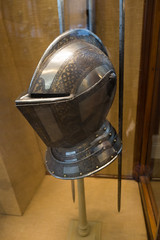 Sharp Italian helmet (quinet) Tags: 2017 antik antiquitäten england helm london rüstung wallacecollection ancien antique casque helmet militaire military militärische museum musée