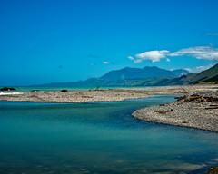 Rocky Beach (DASEye) Tags: davidadamson daseye newzealand nz nikon d750 rocky rocks rockybeach beach kaikoura sky water ocean sea mountains