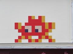 Space Invader PA_1377 (tofz4u) Tags: 75017 paris streetart artderue invader spaceinvader spaceinvaders mosaïque mosaic tile pa1377 big red orange rouge