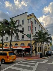South Beach | Art Deco (Toni Kaarttinen) Tags: usa unitedstates florida wpb america miami miamidade southbeach artdeco architecture taxi