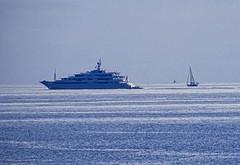 En mer (v o y a g e u r) Tags: yacht boat bateau mer mar sea blue blau bleu azur azul cruise sony amateur marine