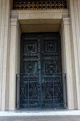 Bronze Doors (John Chulick) Tags: variosonnartdt35451680 bronze doors parthenon nashville tennessee
