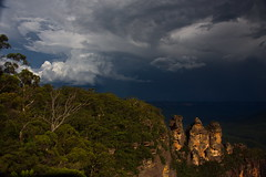 Three Sisters - moody (shanahands2) Tags: bluemountain echopoint threesisters australia nsw storm clouds sky forest rocks nikon d750 fx