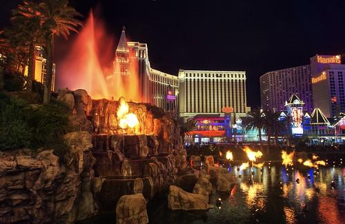 Vegas, it's show time!