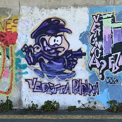 veronica? vedetta padana (Paolo Cozzarizza) Tags: italia lombardia brescia pisogne scorcio muro graffito