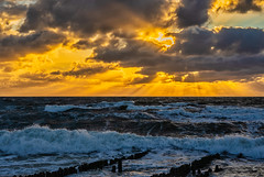 golden Time - Explore # 207 (entry) (**capture the essential**) Tags: 2018 clouds fotoshooting fotowalk himmel insel island landscape landschaft september sky sonnenuntergang sonya7miii sonya7mark3 sonya7m3 sonya7iii sonyilce7m3 sunset sylt waves wellen wetter wolken cloudy wolkig