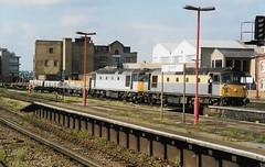 33103 4 33021 150594 (stevenjeremy25) Tags: 33 331 brcw crompton bobo sulzer diesel engine loco locomotive br railway train type3 bagpipe 33021 33103 southern