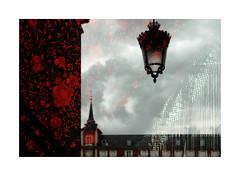 Plaza Mayor (BLANCA GOMEZ) Tags: spain mad madrid arquitectura architecture barrocoespañol baroque arquitecto juandeherrera juangómezdemora plazamayor square light shadows silhouettes textures shapes patterns window lamp farola reflection reflejo chal mantondemanila flamenco sky clouds