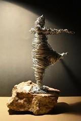 Perpetual balance (Paula.rodrv) Tags: bailarina alambre amano piedra dancer escultura gordita barcelona mibailarina fat wire