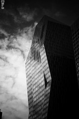 20181229_225640 (@Bo.B7295150) Tags: ladefense streetview street buildings building immeubles immeuble bnw