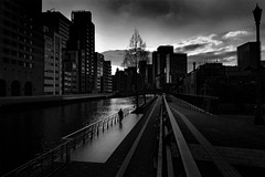 _1340443 Urban space (soyokazeojisan) Tags: japan osaka city sky street water people bw blackandwhite monochrome digital lumix tx1 2019