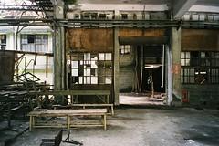 CNV000031 (雅布 重) Tags: fujifilm silvif28 xtra400 film 2016 snap ruins taiwan 廢墟