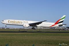 Emirates 777-300(ER) A6-ENZ (birrlad) Tags: dublin dub international airport ireland aircraft aviation airplane airplanes airline airliner airways airlines arrival arriving approach finals landing runway emirates boeing b777 b773 777 777300er 77731her a6enz
