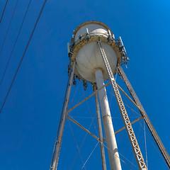 Too much pressure (Adaptabilly) Tags: iphone usa infrastructure washington travel tower diagonal engineering lines mountvernon sky unitedstatesofamerica us