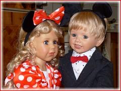 Bärbel und Luis (ursula.valtiner) Tags: puppe doll luis bärbel künstlerpuppe masterpiecedoll fasching carnival faschingsfest carnivalparty mickymaus minniemaus mickeymouse minniemouse portrait