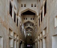 Alley / Vicolo (Giorgio Ghezzi) Tags: giorgioghezzi souk suq souqwaqif doha qatar