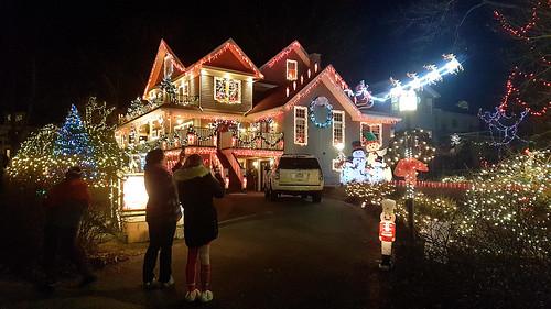 Christmas Lights On Houses.Flickriver Christmas Lights On Houses Pool