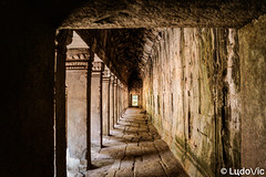 Couloir du temps (Lцdо\/іс) Tags: taprohm angkor cambodge cambodia kambodscha historic history khmer architecture siemreap visit explore flickr discover old temple buddhisme buddha bouddha boudhisme lцdоіс