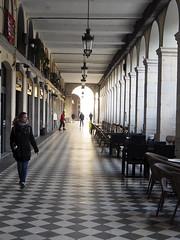 Els arcs de la plaça Independència