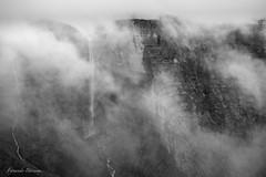Nacedero Nervion 2018 (fernandobarcenapena) Tags: nacedero rio river nervion orduña bizkaia catarata niebla fog paisaje landscape waterfall blanconegro blackwhite fujifilm x100f