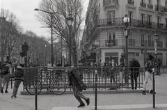 Paris Metro '18 (Pierrot_LeFou) Tags: blackandwhite streetphoto absolutebackandwhite 50mm paris street people bw urban travel photo france rue explore metro nikon fm monochrome blanc et noir
