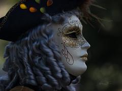 Chevelure argentée (Jacques Isner) Tags: carnavaldannecy annecy masquevénitien masque carnaval olympus em5mkii jacquesisner