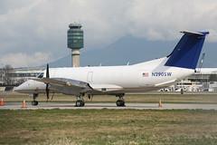 N290SW Berry EMB-120 (Vernon Harvey) Tags: n290sw embraer emb120 brasilia berry vancouver yvr