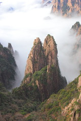 Granite Rising (Eye of Brice Retailleau) Tags: angle beauty composition landscape nature outdoor panorama paysage perspective scenery scenic view extérieur ciel sky backpacking earth mountain mountains travel vista light montagne skyscape above cloud clouds cloudy cloudscape nuages nuage asia asie asian china chine chinese huangshan yellow anhui montagnes cliff cliffs hiking hike