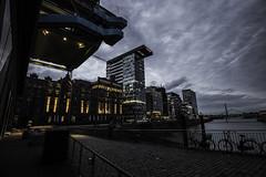 Düsseldorf0163Zollhafen (schulzharri) Tags: düsseldorf nrw deutschland germany europa europe architektur architecture glas modern haus building himmel gebäude stadt
