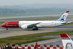 Norwegian | Boeing 787-9 | G-CKWD | London Gatwick (Dennis HKG) Tags: aircraft airplane airport plane planespotting canon 7d 100400 london gatwick egkk lgw norwegian norwegianairuk nrs di boeing 787 7879 boeing787 boeing7879 dreamliner gcwkd