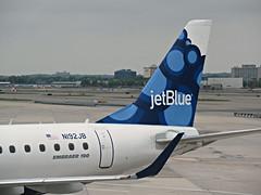 B6 ERJ-190AR N192JB (kenjet) Tags: blueberries b6 jetblue jfk kjfk jfkairport ny nyc newyorkjfk airport ramp plane jet flugzeug aviation airliner airline embraer 192 n192jb imanaturalblue 190 e190 erj190 erj190ar erj190100igw igw ar