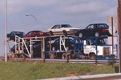 IH Fleetstar: E & L # B7771 (PAcarhauler) Tags: carcarrier semi tractor trailer truck coe detroit