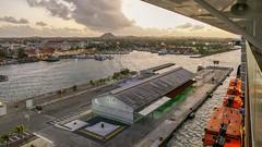 P1030207a (oberbayer) Tags: aruba oranjestad hafen meer stadt hauptstadt gebäude architektur