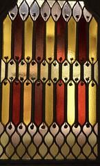 Vitrall al Palau Güell, Barcelona (1886-1890). (Arquitecte: Antoni Gaudí). (heraldeixample) Tags: heraldeixample bcn barcelona spain espanya españa spanien catalunya catalonia cataluña catalogne catalogna arquitectura architecture architekture pensaernïaeth 架构 arkitektur architettura สถาปัตยกรรม arkitettura modernisme artnouveau modernstyle tiffany jugendstil sezessionstil wienersezession stile900 floreale liberty güell guell gaudí vitrall vitral vitraller design rigalt glasgemälde stainedglass witraż beirateakvitrail gloinedhaite ステンドグラス mtebbgħinħġieġ 彩色玻璃 กระจกหุง stainedglasswindow ngc albertdelahoz