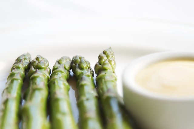 English asparagus with herb mayonnaise