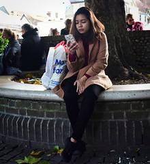 Messages (Bury Gardener) Tags: suffolk streetphotography street snaps streetcandids strangers people peoplewatching candid candids burystedmunds britain 2018 england eastanglia cornhill