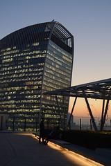 Rooftop rendevous (Richard 600) Tags: walkietalkiebuilding 20fenchurchstreet sunset people building skyscraper london londonskyline