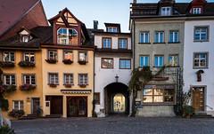 Häuserzeile in Meersburg.jpg (Helmut31405) Tags: bodensee badenwürttemberg 2016 meersburg nd301000x herbst deutschland de