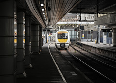 Heart of Darkness (powern56) Tags: london fenchurchstreetstation railway railwaystation c2c 1f33 class357 357326 emu electricmultipleunit passengertrain